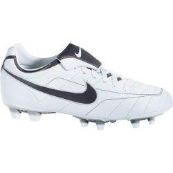 Nike gyerek fehér futballcipő 38