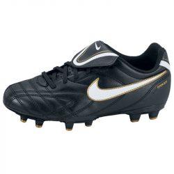 Nike gyerek fekete futballcipő 36
