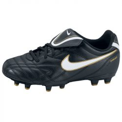 Nike gyerek fekete futballcipő 37.5